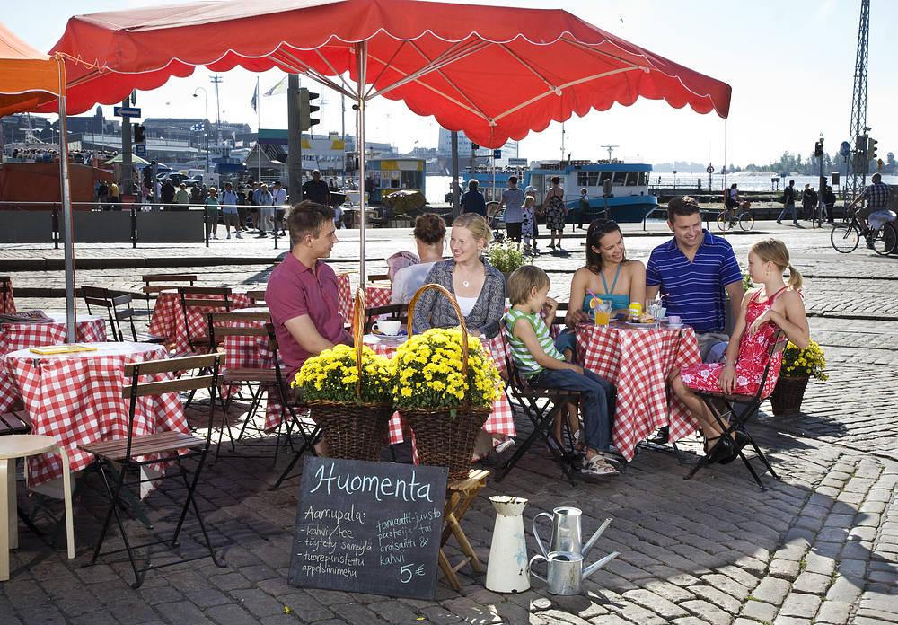 Plac targowy w Helsinkach